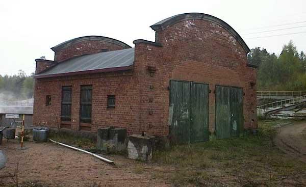 Voikkaan tehtaiden vuonna 1923 valmistunut kapearaidetalli. Kuva: Kari Jokinen